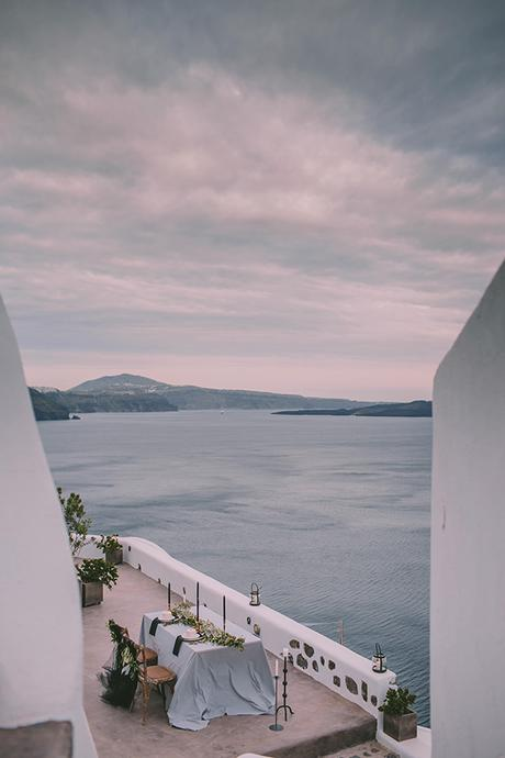 beautiful-destination-wedding-in-santorini-_29