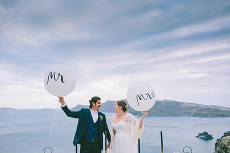 beautiful-destination-wedding-in-santorini-_2