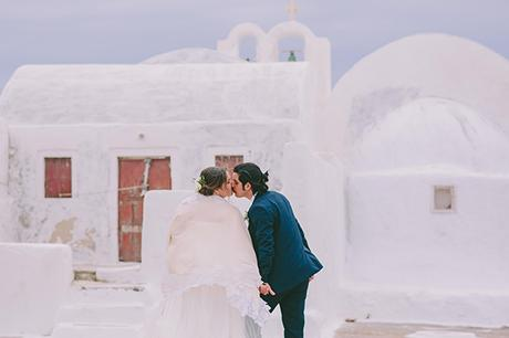 beautiful-destination-wedding-in-santorini-_40