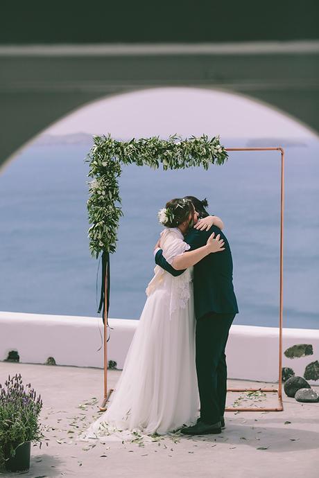 beautiful-destination-wedding-in-santorini-_21