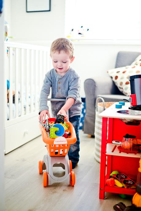 toddler shopping trolley, mini shopping trolley, tidy up game, mom hacks