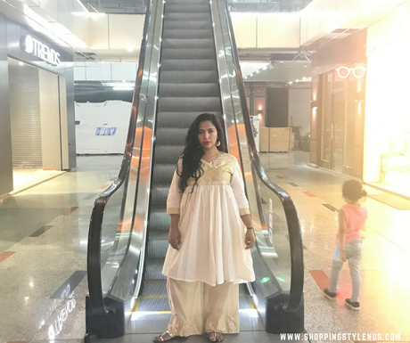 Shopping, Style and Us - My Diwali outftcomprises of Rs.200 thrift find and Lifestyle Stores Palazzos.