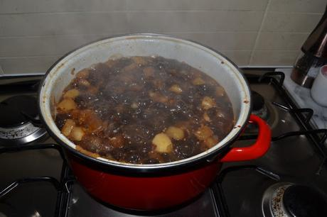 spicy apple chutney
