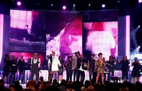 [PICS!] Toni Braxton, Tamar, Kirk Franklin & More  Soul Train Awards 2017