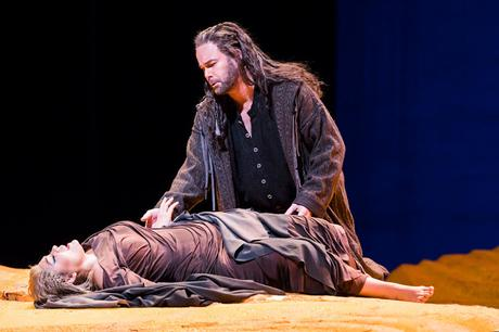 Opera Review: Lust in the Dust