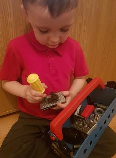 Mickey Mouse Roadster Racers Pit Crew Tool Box Review