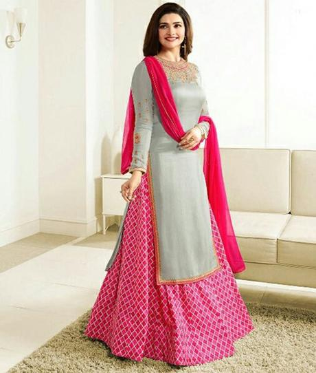5 Must Have Women Salwar Suits for Wedding Season