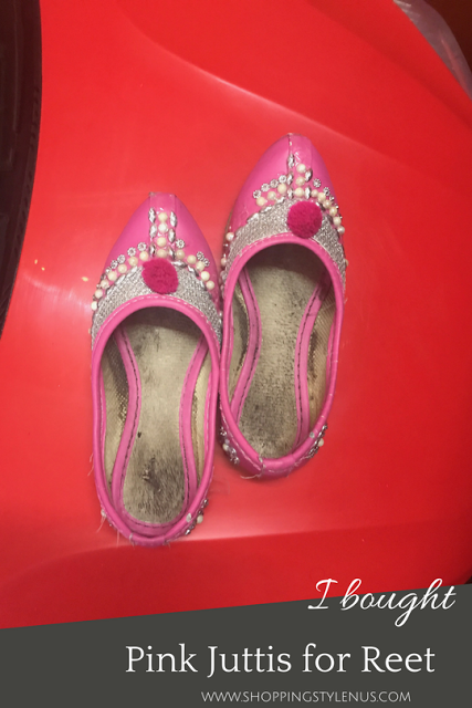 What I did this weekend? I bought Pink punjabi juttis for Reet from Central market, Lajpat Nagar-IV