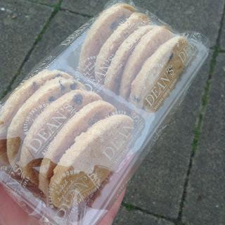 Dean's Gluten Free Choc Chip & Stem Ginger Shortbread