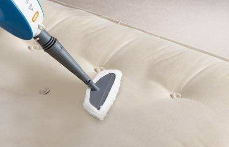 5 Easy Tips to Keep Your Bedroom Mattress Clean & Fresh