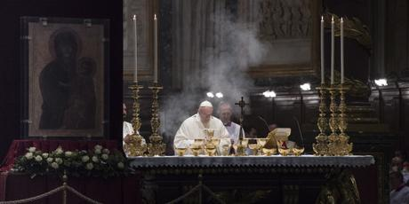 Why is Sunday Mass important, anyway? The pope explains…