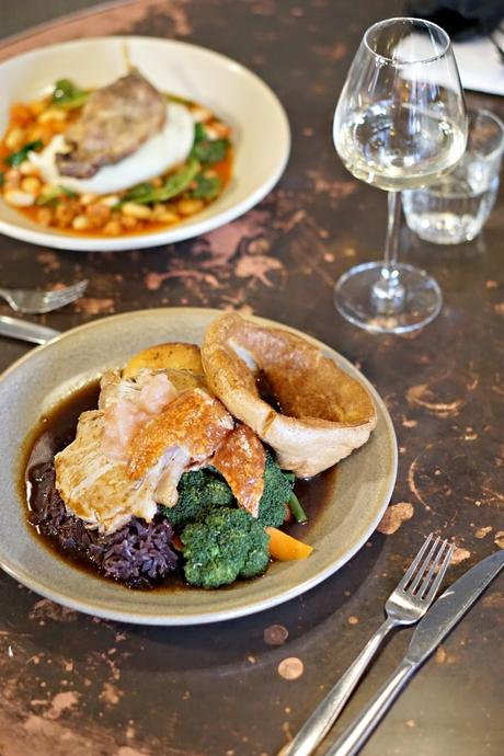 Sunday lunch at the Wheatsheaf, Farnham