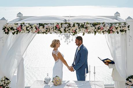 luxurious-wedding-overlooking-sea-18