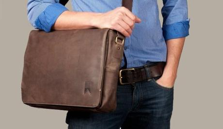 4 Must-Have Men's Accessories You Must Be Buying This Season!