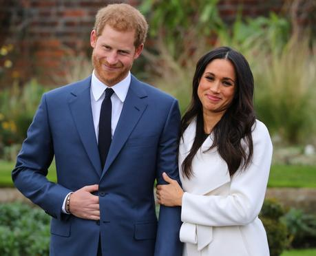 Prince Harry & Meghan Markle step out for their engagement photocall