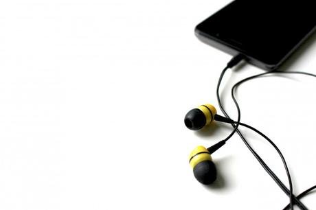 Easiest Way To Listen And Download Songs On Your Smartphone