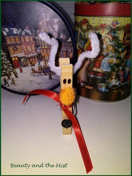 DIY: Christmas Crafts With Clothespins