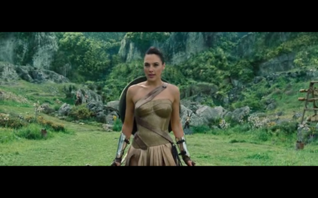 How Wonder Woman Enters a Scene: 'Justice League' VS 'Wonder Woman'