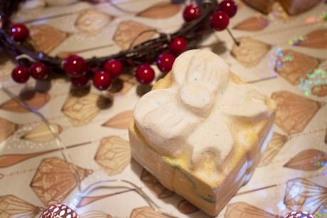 HAVE A VERY MERRY BATH WITH LUSH | THE FOURTH DAY OF BLOGMAS