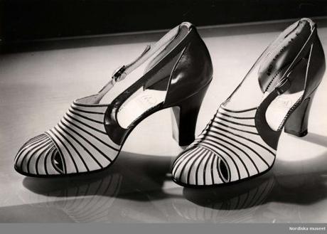 walking shoes 1940