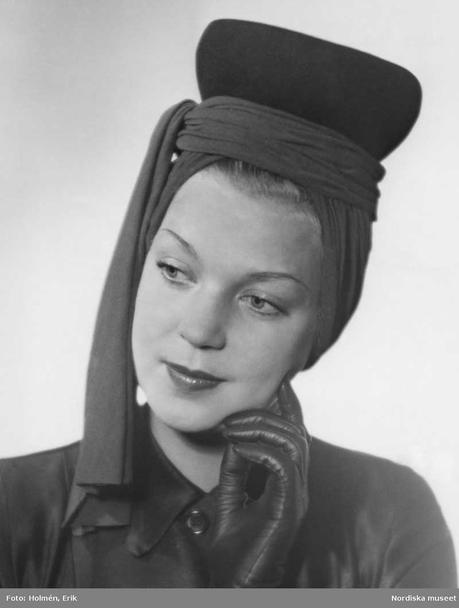 Ladies Pillbox hat combined with turban 1943