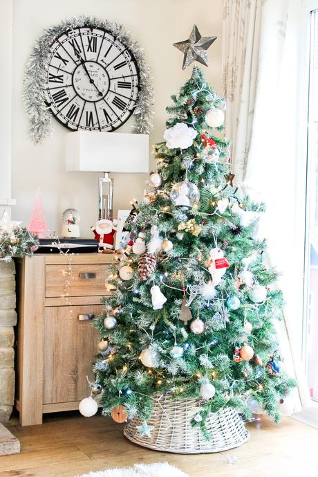 scandi christmas tree, christmas home decor tour, wicker christmas tree skirt