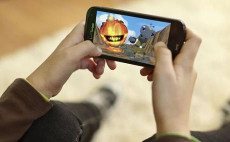 If You Love Mobile Gaming, You'll Love These 3 Outstanding Games