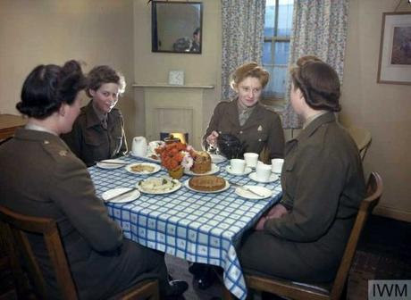 ATS-girls-at-breakfast
