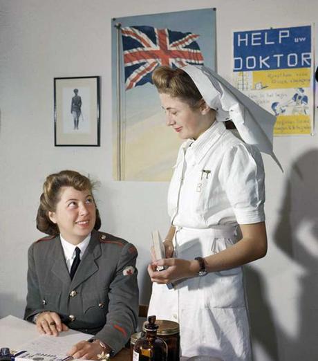 Two-Belgian-Red-Cross-nurses