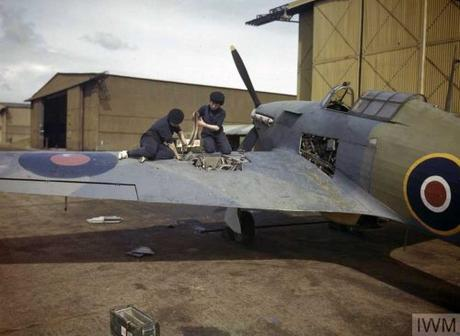Two-Wrens-re-arming-a-Browning-gun-of-a-Hawker-Hurricane-aircraft