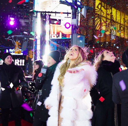 [WATCH] Mariah Carey Redeems Herself Kills NYE Performance In Times Square