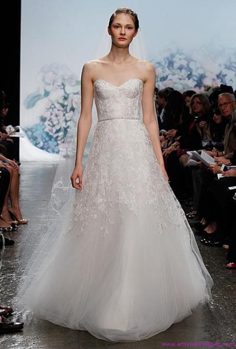 Iconic wedding dress designers monique lhuillier paperblog for Monique lhuillier wedding dress designers