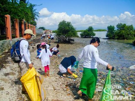 Coastal Cleanup with WWF-Philippines