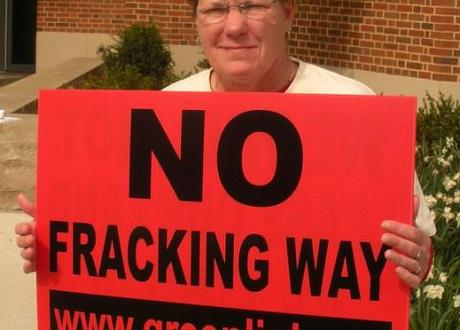 Fracking causes fissure lines: What is it, and should we be using it?