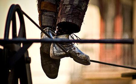 How To Become An Expert Tightrope Walker