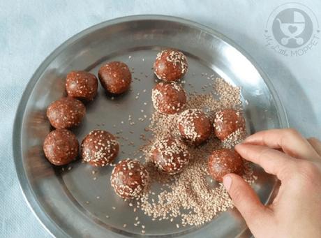 dates sesame seeds ladoo