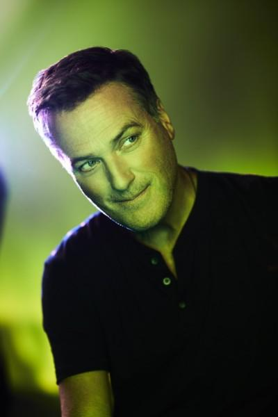 """Michael W. Smith Releases """"Crashing Waves"""" Single Today!"""