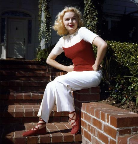 June-Haver-sweater-and-pants-1940s