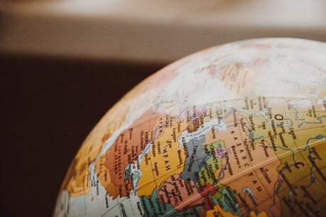 THE GUIDE TO RELOCATING SOMEWHERE AROUND THE WORLD