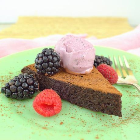 Flourless Chocolate Cake #ChocolateCakeDay