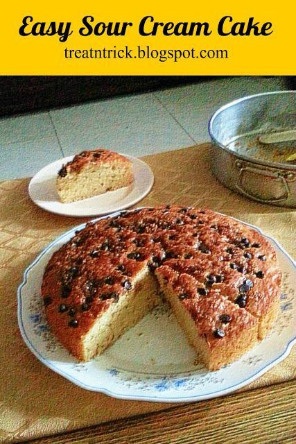 Easy Sour Cream Cake Recipe @ treatntrick.blogspot.com