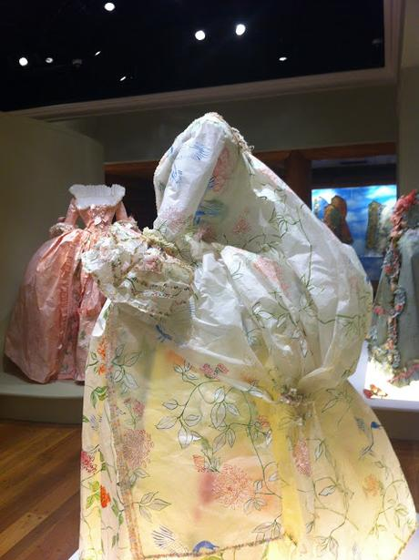 Fashioning Art from Paper