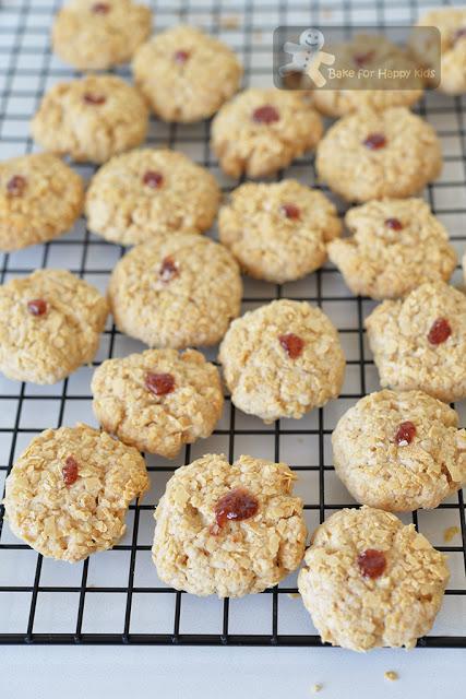 buttery crispy Nestum cookies