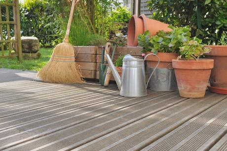 Garden decking and how to get rid of pests