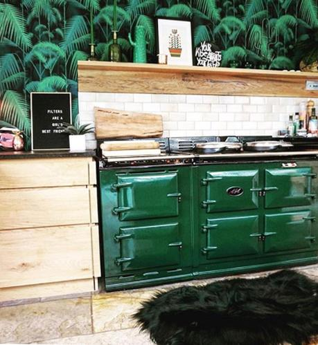 Kitchen style tips and inspiration. Update your white kitchen with a splash of color like this rich jewel emerald shade.