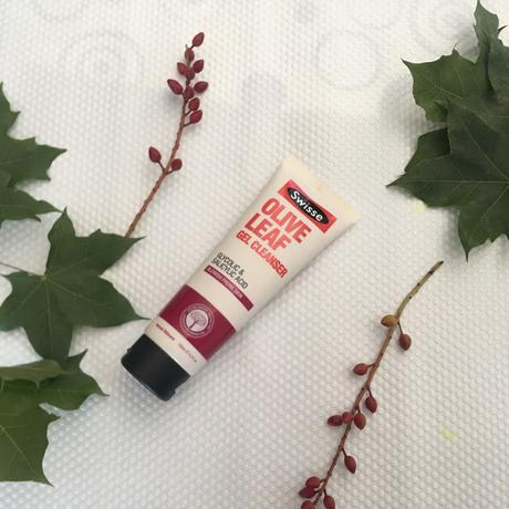 Swisse Olive Leaf Gel Cleanser Review - Best Cleanser For Oily and Combination Skin