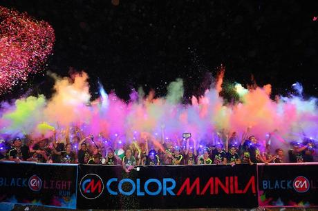 Color Manila Blacklight Run 2018
