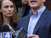 Investigators Show with Questions Missouri's Capital City, Apparently Turning Heat Gov. Eric Greitens Over Admitted Extramarital Affair