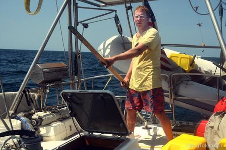 Suddenly without steering in the Caribbean Sea