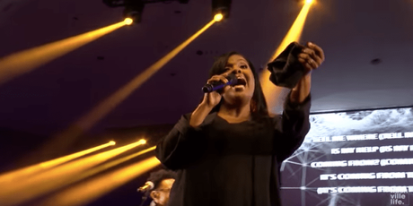 "[WATCH] Nashville Life Music  ""Looking Up"" Featuring CeCe Winans"